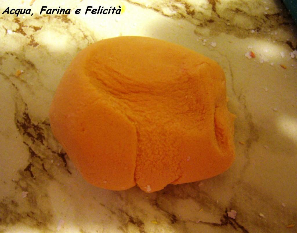 pasta di zucchero arancione