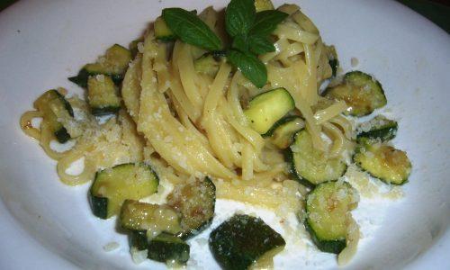 Carbonara di Zucchine e Menta – ricetta vegetariana