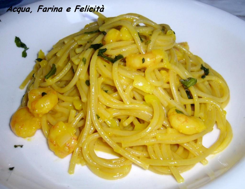 Pasta con Gamberetti e crema allo zafferano