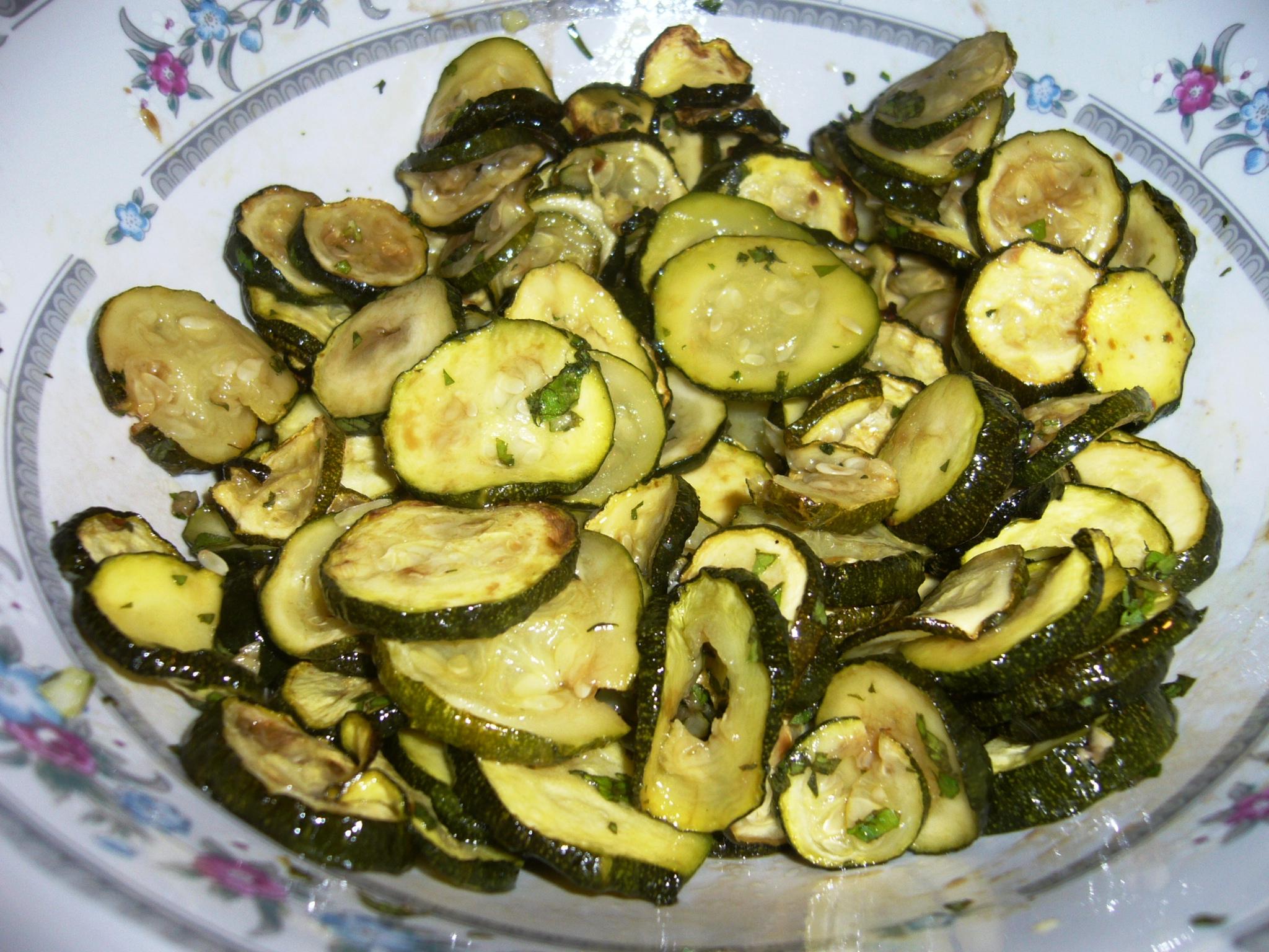 Zucchine al forno con menta e aceto balsamico