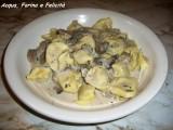 Cappelletti di Carne in Salsa di Funghi