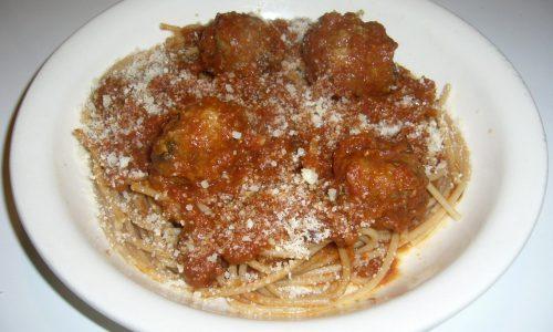 Spaghetti con Polpette al Sugo – Lilli e il Vagabondo