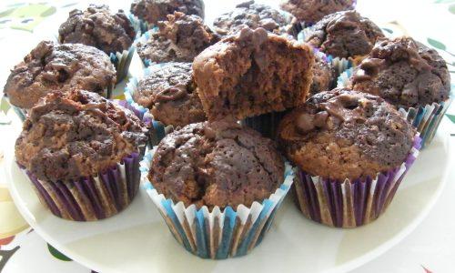 Muffins al Cacao con Crema al Cioccolato senza Burro e senza Latte