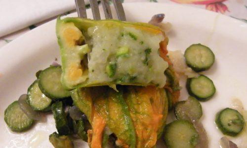 Fiori di Zucca ripieni di Patate e Zucchine