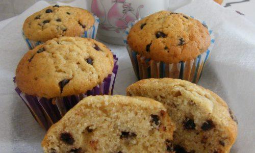 Muffins Semi-Integrali con Gocce di Cioccolato senza Latticini