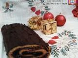 Tronchetto di Natale con Cioccolato e Confettura di Ciliegie