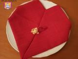 realizzare un cuore con un tovagliolo