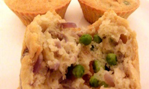 Muffins Salati senza Lievito con Piselli e Cipolle