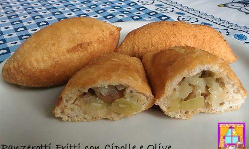Panzerotti Fritti con Cipolle e Olive Piccanti
