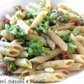Pasta con Broccoli, Pomodori Secchi e Pinoli
